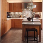 A Maple Cabinet Kitchen Arrangement